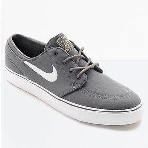 NEVER WORN Nike SB Janoski Canvas Grey/White Shoes